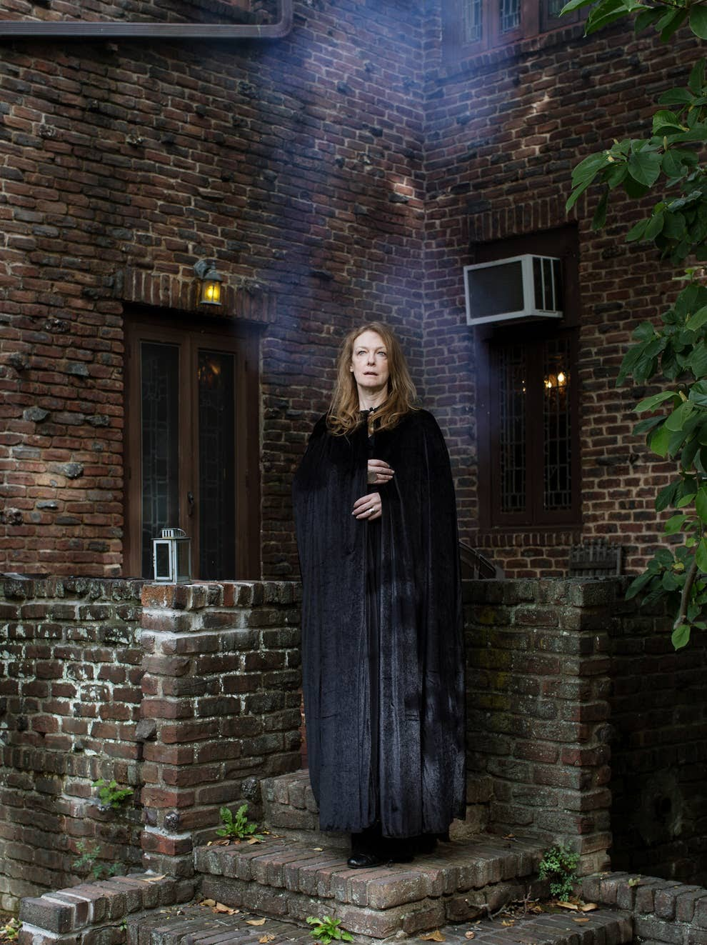 These Striking Portraits Show The Lives Of Witches In USA Today 2
